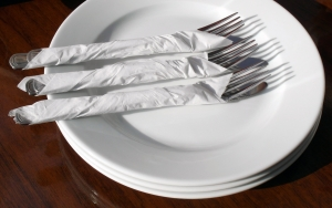 1357304_empty_plate_with_forks_and_knifes.jpg