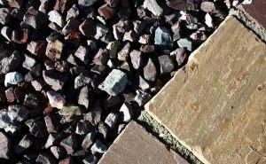 961014_broken_stones.jpg