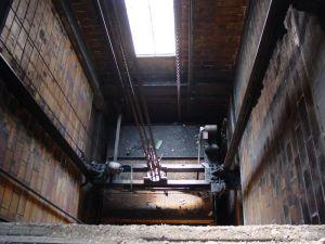 elevator-200538-m.jpg