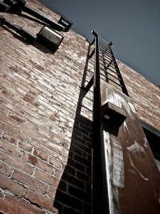 ladder-1368615-m.jpg