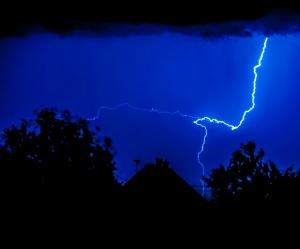 lightning-1427861-m.jpg