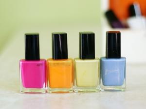 nail-polish-1430027-m.jpg