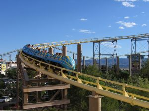 rollercoaster-in-motion-711249-m.jpg