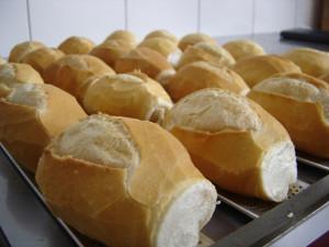 bread-p-atilde-o-2-1561228-300x225